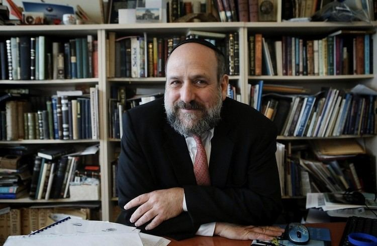 Michael Schudrich Polands chief rabbi suspends aide amid kosher slaughter controversy