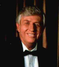 Michael Skinner (magician) plazaharmonixnejpkmiwamagicimagemskinner2jpg
