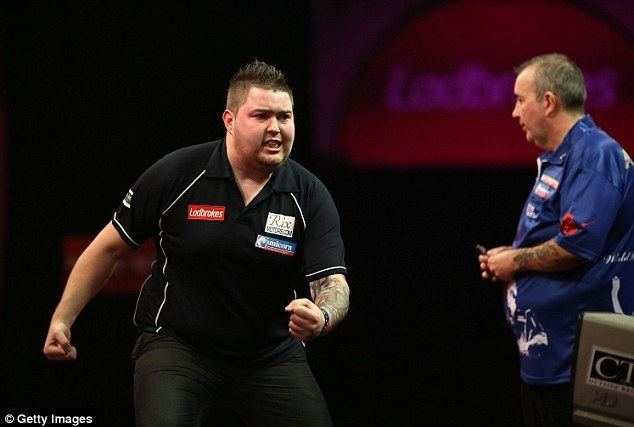 Michael Smith (darts player) Phil Taylor beaten by Michael Smith in World Darts