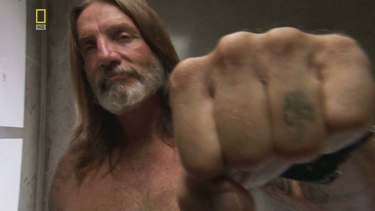 Michael Thompson (Aryan Brotherhood) Michael Thompson (Aryan Brotherhood) hand tattoo
