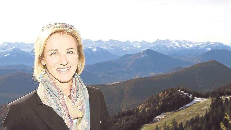 Michaela Gerg-Leitner Michaela GergLeitner grndet Stiftung Bad Tlz