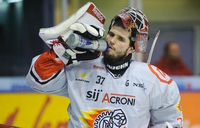 Michal Fikrt Hokejov magazn zabvajc se mldenickm hokejem