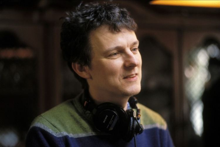 Michel Gondry Watch Over 30 Music Videos From Michel Gondry Including