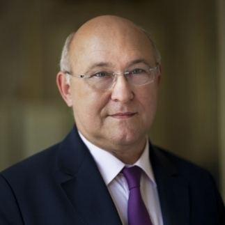 Michel Sapin Le ministre de l39emploi Michel Sapin sera demain
