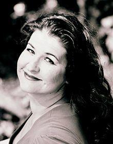 Michele Detwiler httpsuploadwikimediaorgwikipediacommonsthu