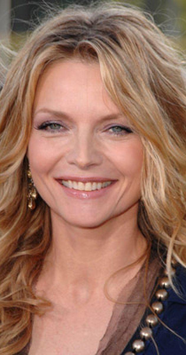 Michelle Pfeiffer httpsimagesnasslimagesamazoncomimagesMM
