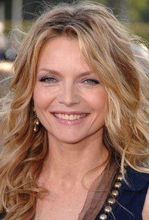 Michelle Pfeiffer iamediaimdbcomimagesMMV5BMTUzNjI0Njc5NF5BMl5