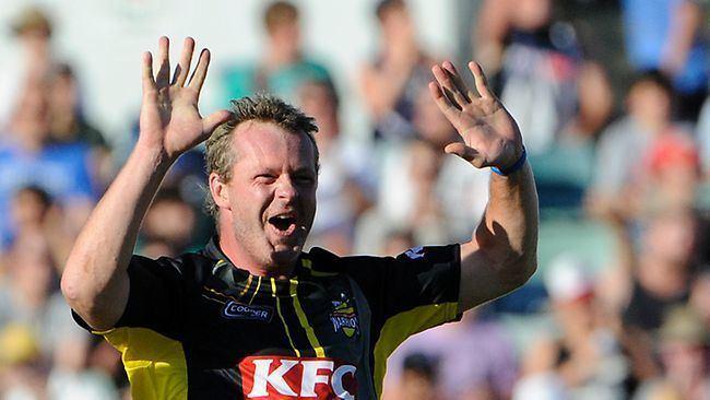 Mick Lewis (Cricketer)