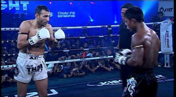 Mickaël Piscitello THAI FIGHT 2011 Buakaw Por Pramuk VS Mickael Piscitello