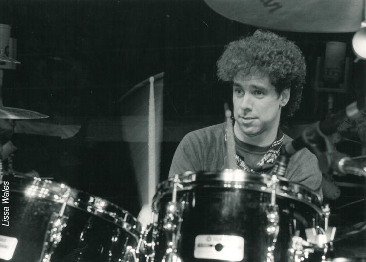 Mickey Curry Catching Up With Mickey Curry Modern Drummer Magazine