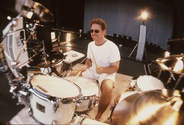 Mickey Curry Mickey Curry Modern Drummer Magazine