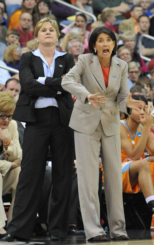 Mickie DeMoss DeMoss leaves Tennessee to join Indiana Fever coaching