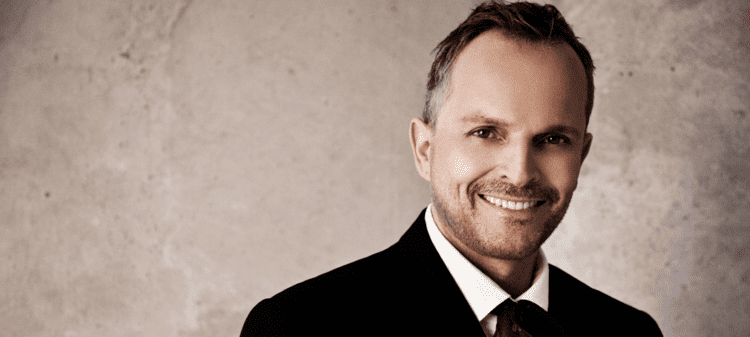 Miguel Bosé 1000 images about Miguel Bose on Pinterest Videos Search and Track