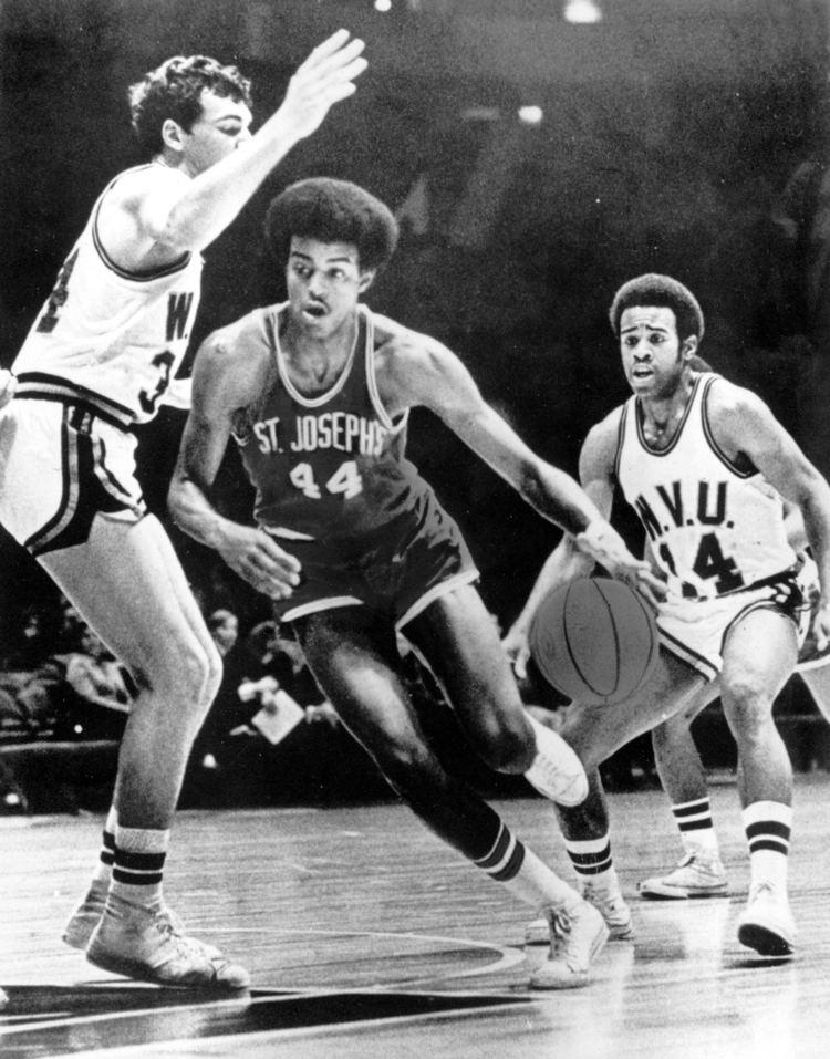 Mike Bantom Philadelphia Hoops Legend Mike Bantom Recalls 3972 Games
