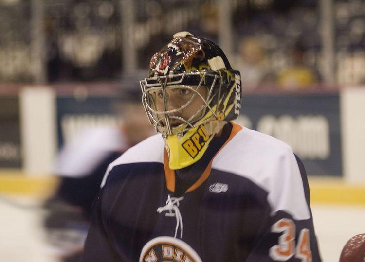 Mike Brown (ice hockey goaltender, born 1985)