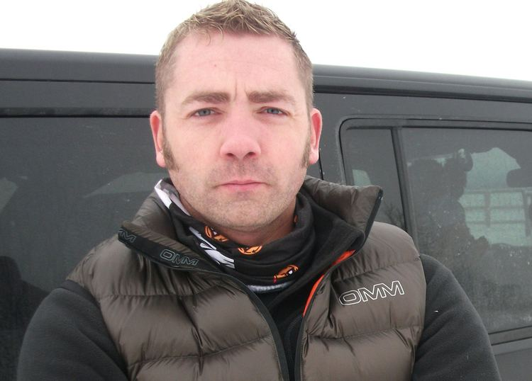 Mike Buss Mike Buss is fundraising to help refugees in Calais camp