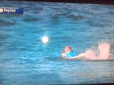 Mike Fanning Mick Fanning attacked by shark YouTube
