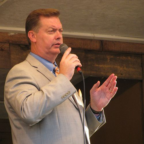 Mike Holcomb Now FeaturingMike Holcomb Southern Gospel Critique