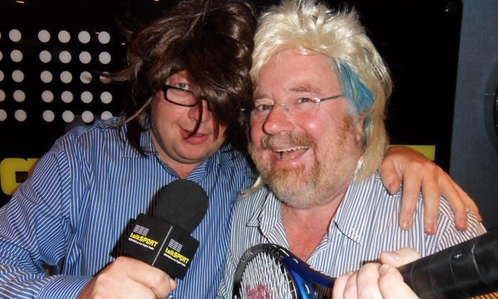 Mike Parry Watch Everton fan Mike Parry take on Simon Whitlock at