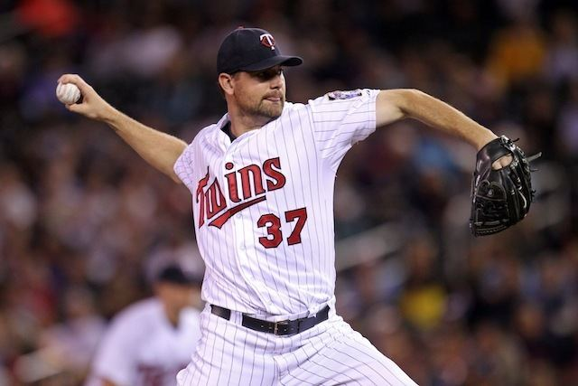Mike Pelfrey Twins agree to terms with Mike Pelfrey on 2year contract
