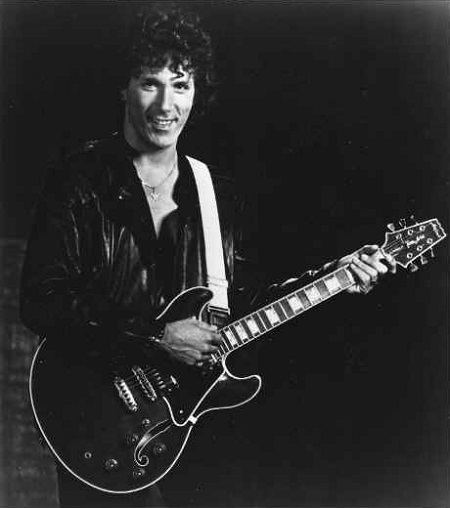 Mike Pinera Rock39s legendary guitarist Mike Pinera talks about Blues
