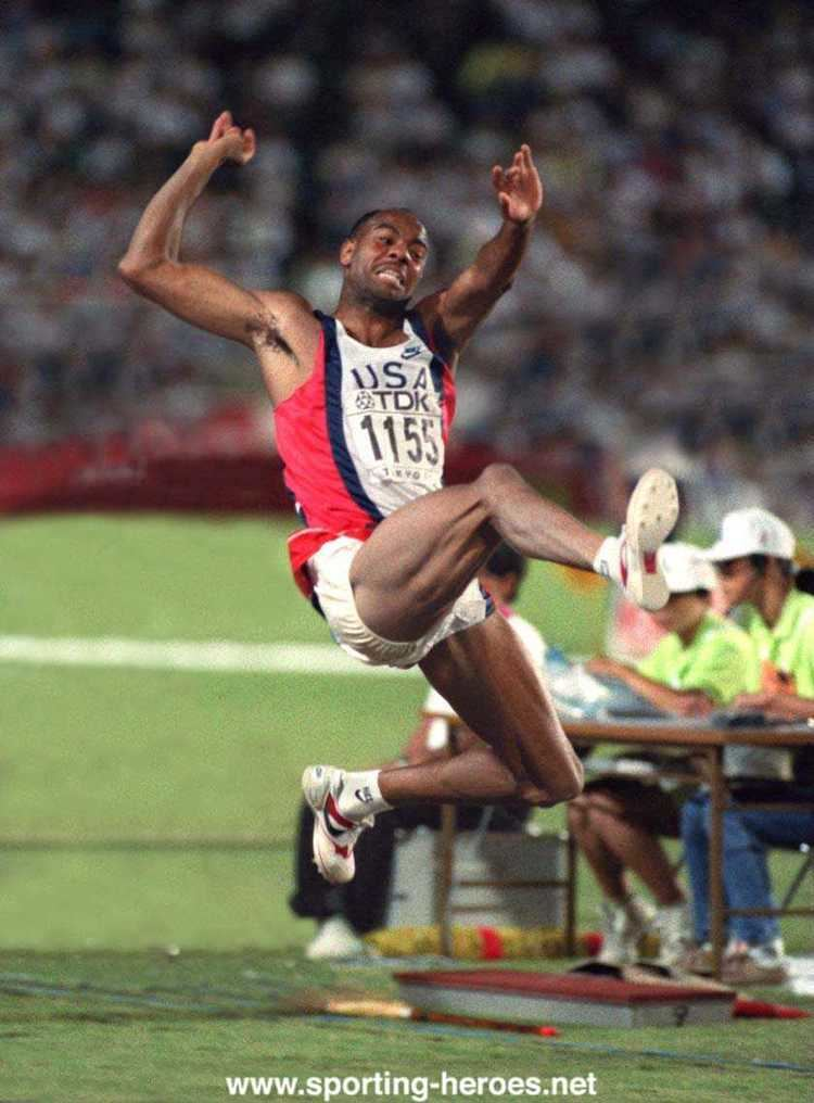 Mike Powell (long jumper) world record long jump mike powell