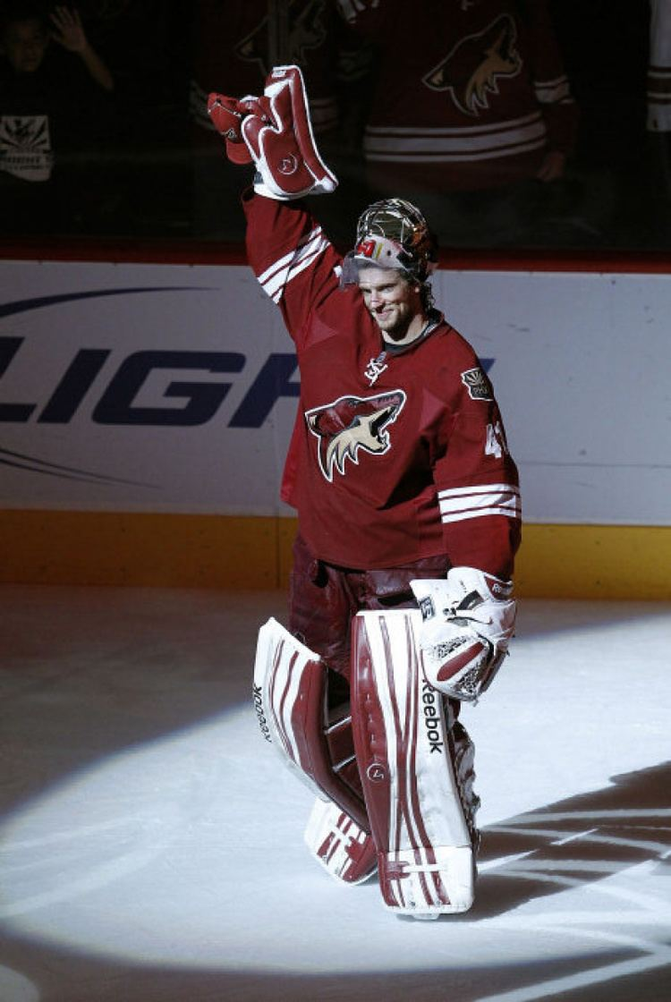 Mike Smith Ice Hockey Born 1982 Of The Phoenix Coyotes Sets