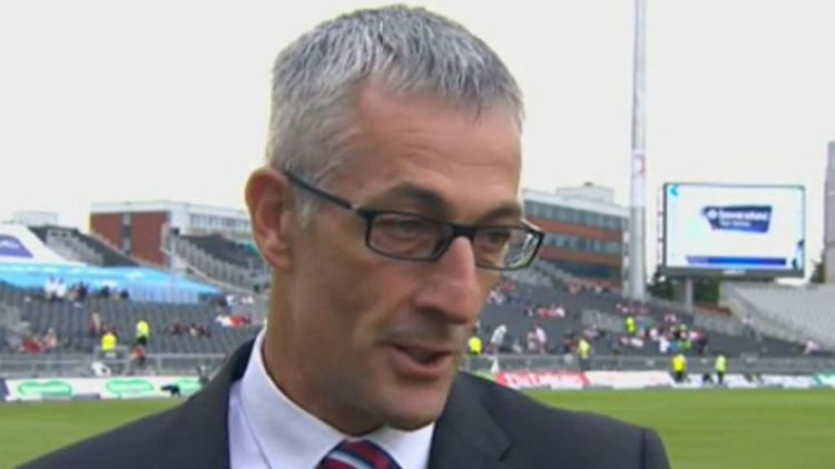 Cricket director Mike Watkinson leaves Lancashire after 32 years at