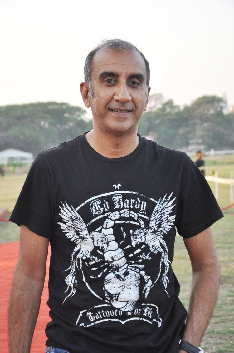 Milan Luthria Milan Luthria Signs Box Office India India39s premier