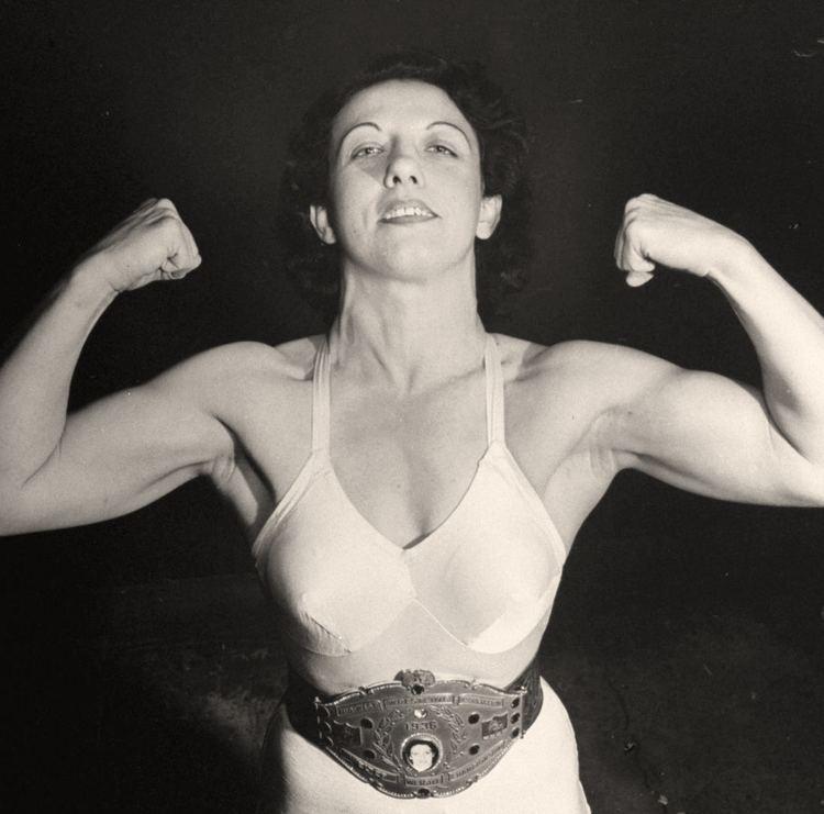Mildred Burke History Mildred Burke 51 Women Wrestlers Pinterest
