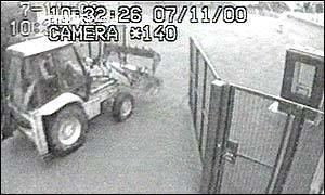 Millennium Dome raid BBC News ENGLAND In pictures Dome diamond raid