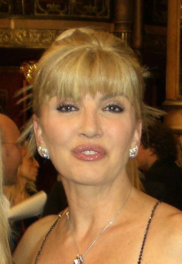 Milly Carlucci httpsuploadwikimediaorgwikipediacommons33