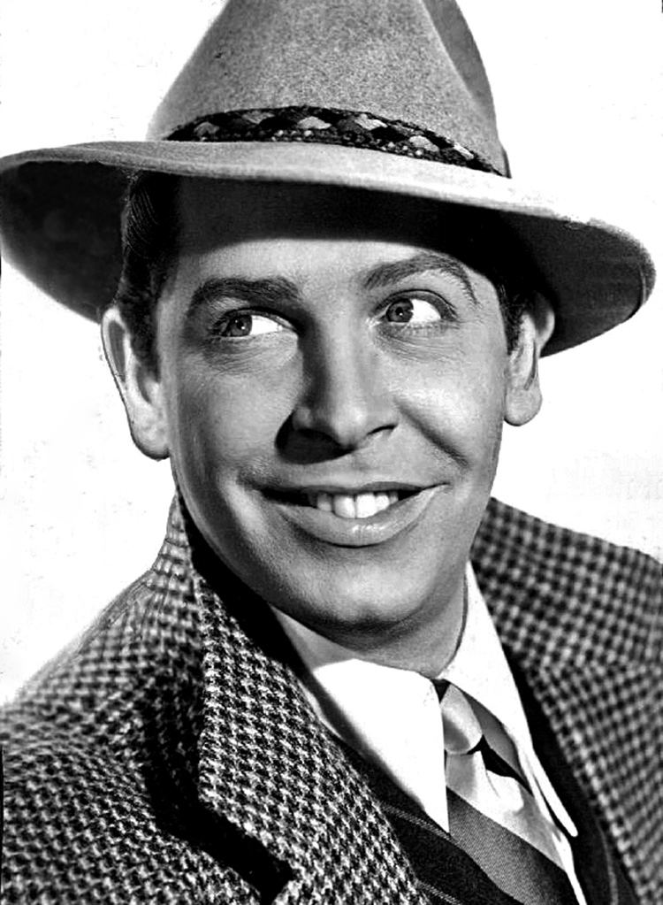 Milton Berle Milton Berle Wikipedia the free encyclopedia