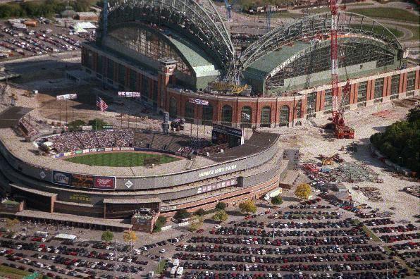 Milwaukee County Stadium County Stadium History Photos and more of the Milwaukee Brewers