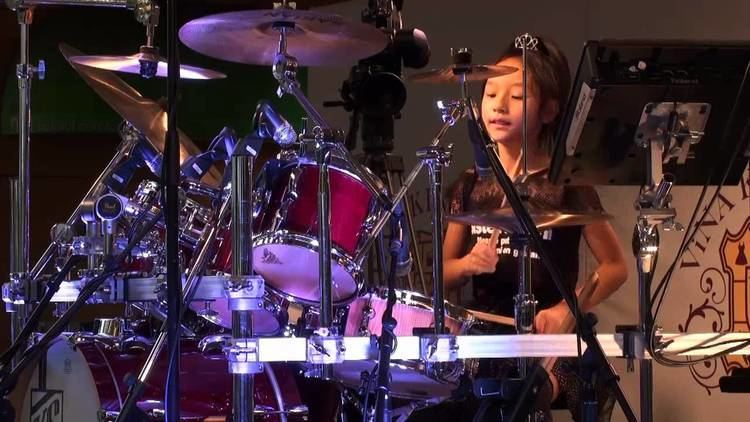 Minoru Mukaiya OmoedeOmoba Minoru Mukaiya Drum performance by Kanade Sato