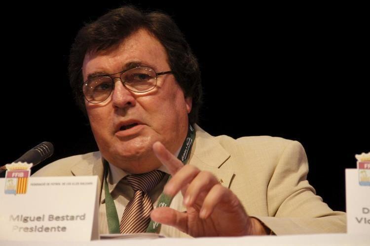 Miquel Bestard El presidente del ftbol balear Miquel Bestard premio Cornelius