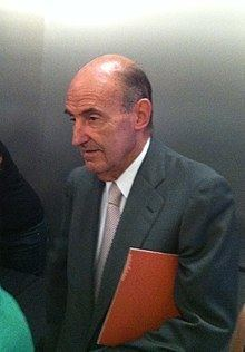 Miquel Roca httpsuploadwikimediaorgwikipediacommonsthu