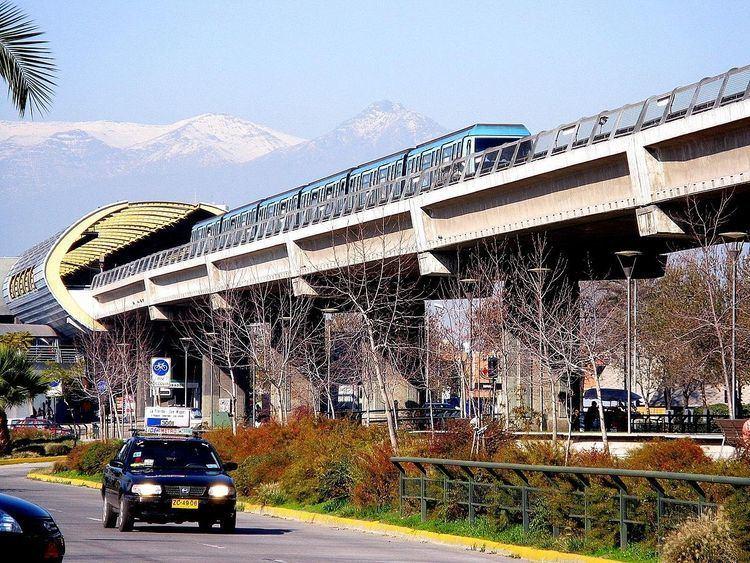 Mirador metro station