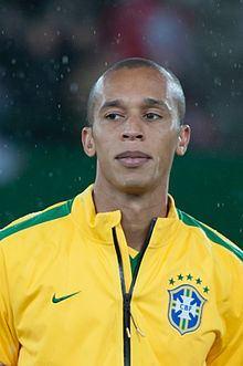 Miranda (footballer) httpsuploadwikimediaorgwikipediacommonsthu