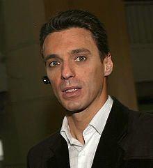 Mircea Badea httpsuploadwikimediaorgwikipediacommonsthu