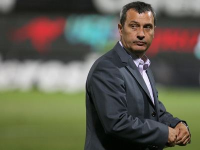Mircea Rednic Fotbal Mircea Rednic noul antrenor al lui Dinamo