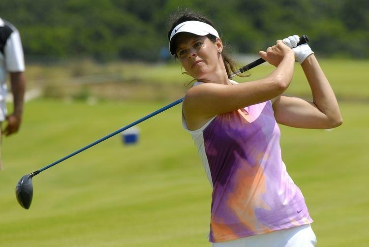 Miriam Nagl Miriam Nagl se aproxima de vaga no golfe Victoria torce contra