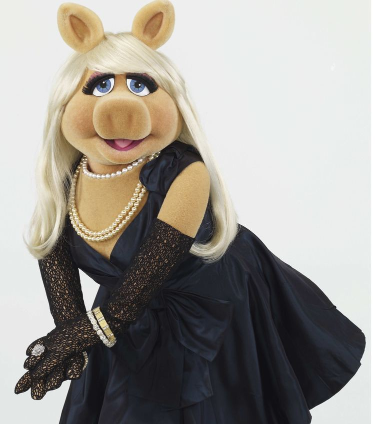 Miss Piggy 1000 ideas about Little Miss Piggy on Pinterest Cute pigs Baby