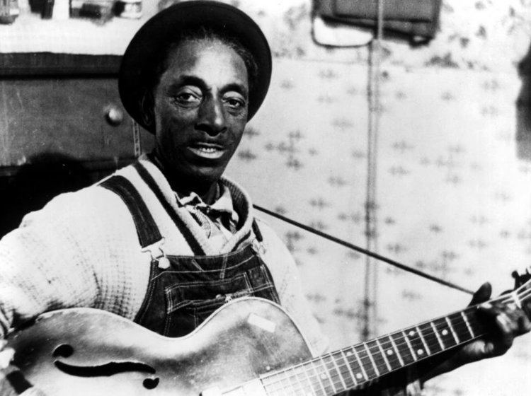 Mississippi Fred McDowell Happy Birthday Bonnie Raitt CC Rider