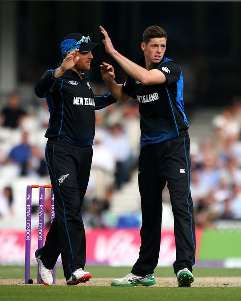 Mitchell Santner Mitchell Santner Photos England v New Zealand 2nd ODI