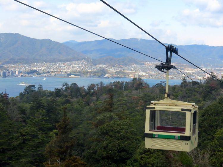Miyajima Ropeway FileMiyajima Ropeway 13890461069jpg Wikimedia Commons