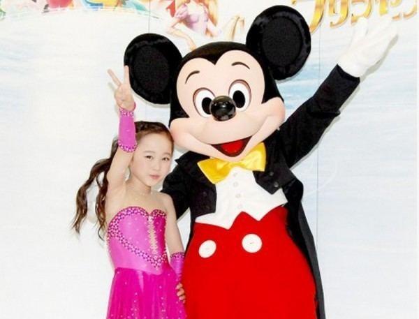 Miyu Honda Child actress Honda Miyu figures skates for Disney on Ice