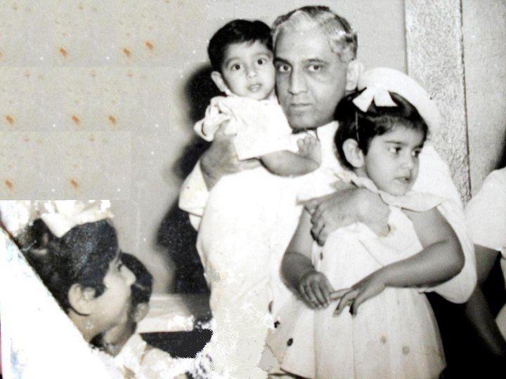 Moazzam Jah Moazzam Jah with his children Fatima Fouzia Aliya Kulsum Shahamat