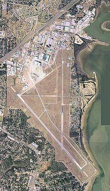 Mobile Downtown Airport httpsuploadwikimediaorgwikipediacommonsthu