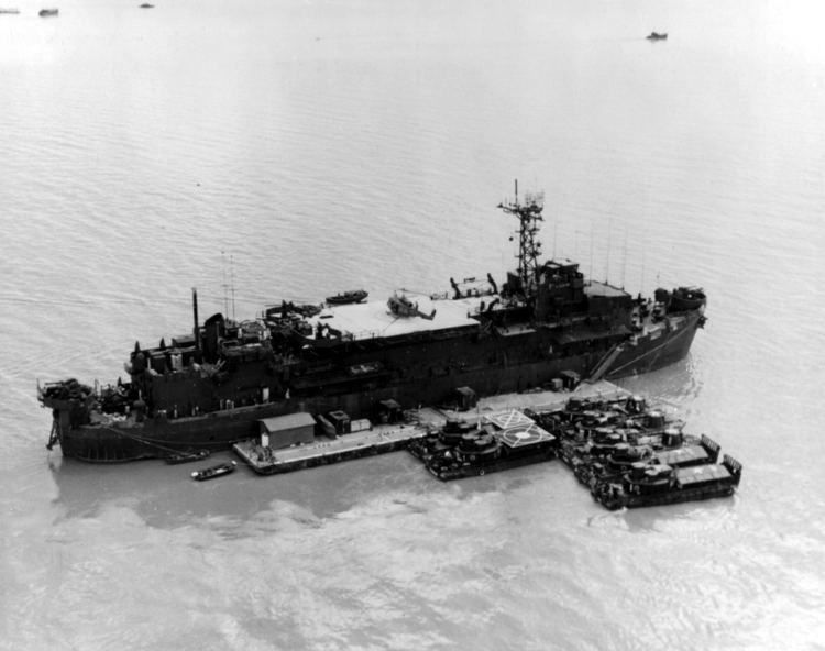 Mobile Riverine Force Vietnam War USS BENEWAH AFLOAT BASE FOR MOBILE RIVERINE FORCE